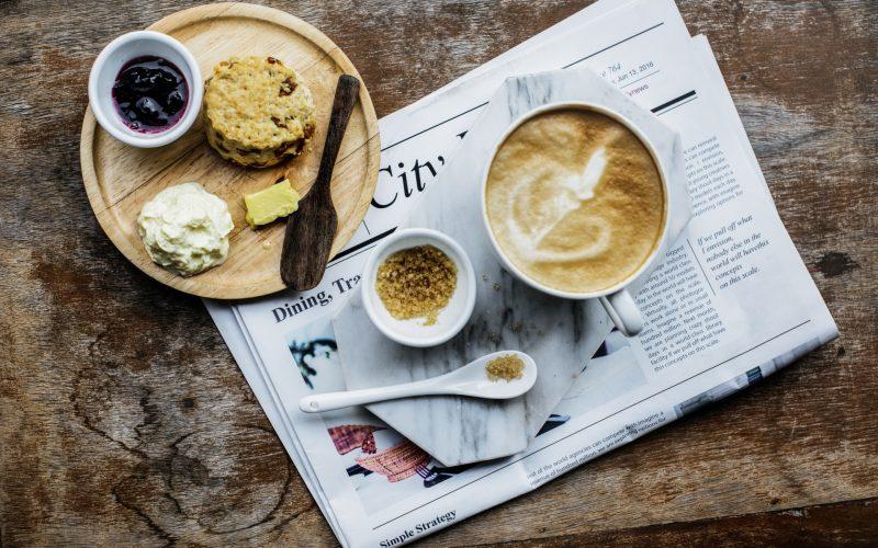 coffee-shop-cafe-latte-cappuccino-newspaper-PE9AWD3